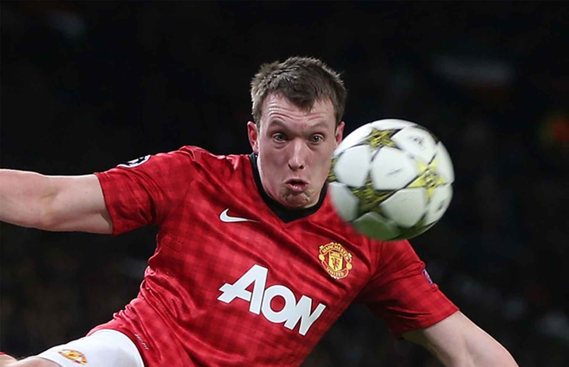 phil jones gurning